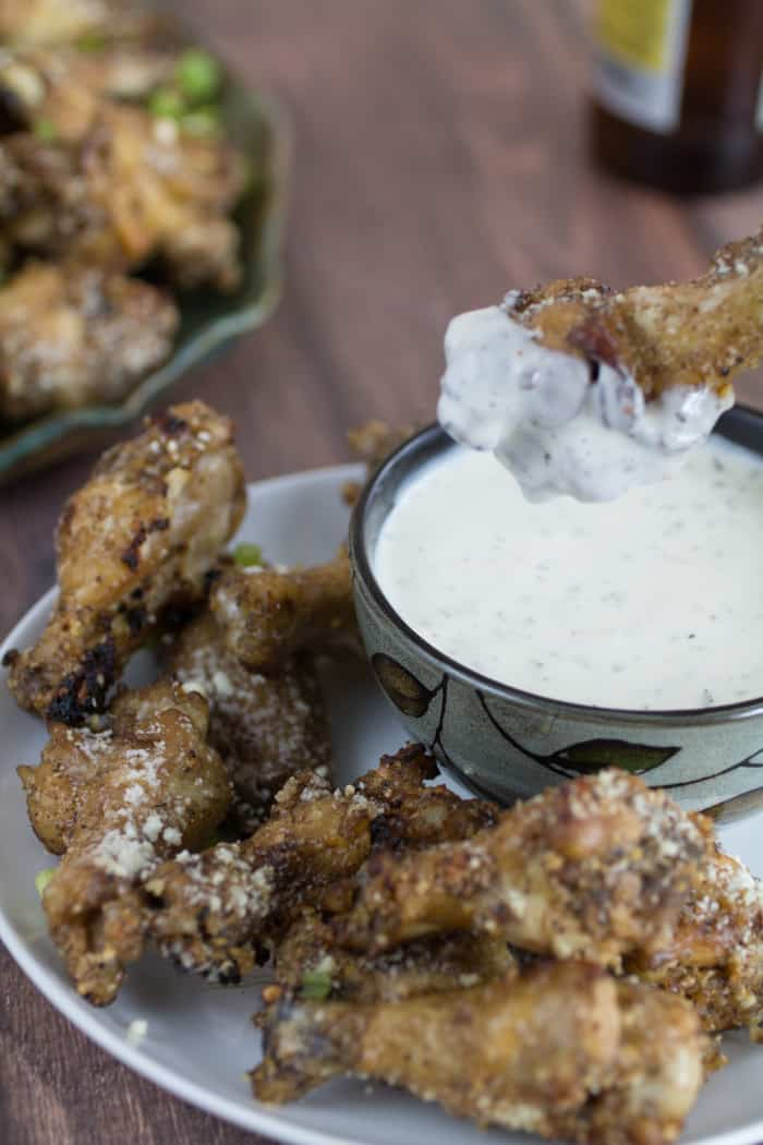 Crispy Oven Baked Garlic-Parmesan Chicken Wings