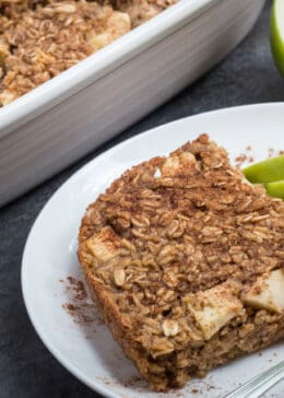 Wholesome and traditional apple cinnamon oatmeal bake. Perfect for brunch or a family breakfast!