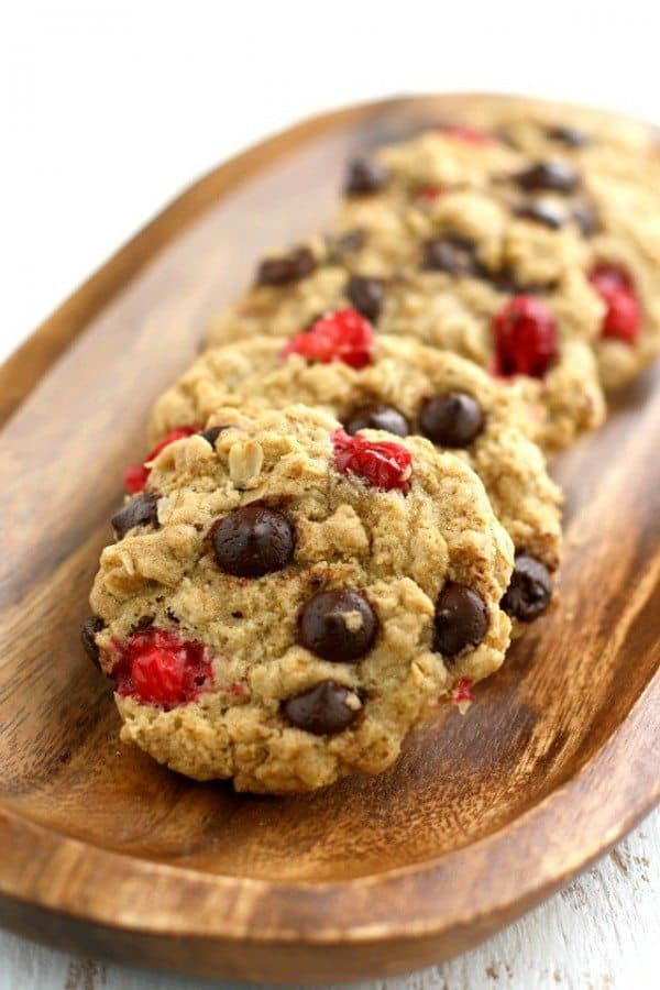 chocolate chip oatmeal cookies with cranberries