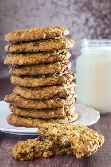 Flourless Oatmeal Cookies With Chocolate Chips