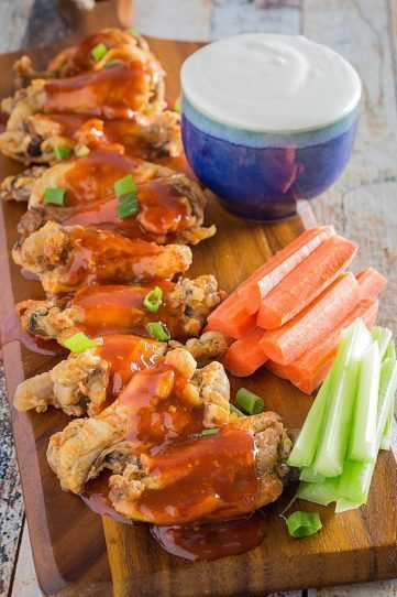 Easy Slow Cooker Buffalo Chicken Wings
