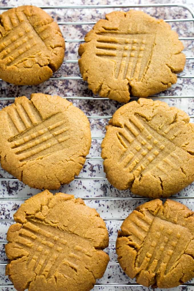 peanut butter cookies with brown sugar