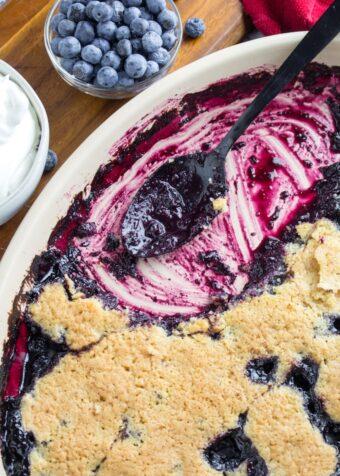 easy blueberry cobbler